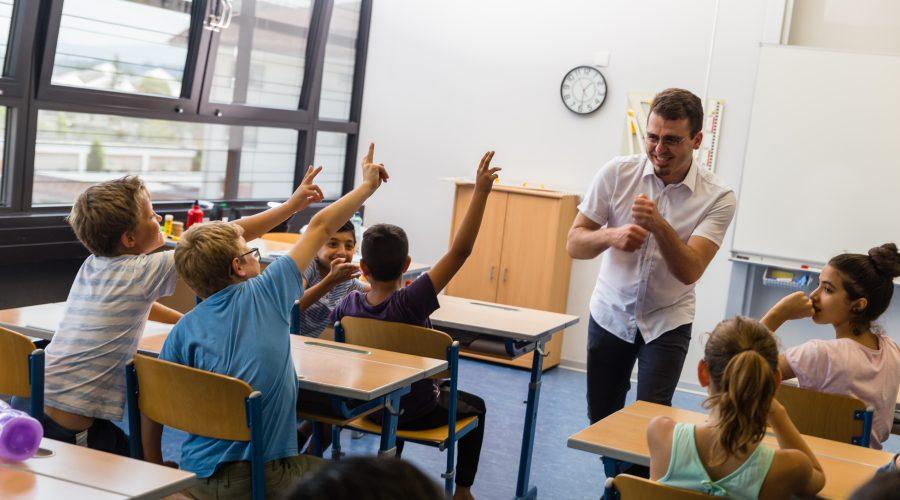Fellow Tayfun unterrichtet an einer Schule in Wien